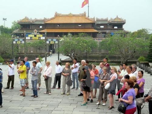 L'afflux de touristes etrangers au Vietnam en hausse en janvier hinh anh 1