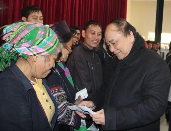Le vice-PM Nguyen Xuan Phuc inspecte le reglement des sequelles du froid a Sa Pa hinh anh 1