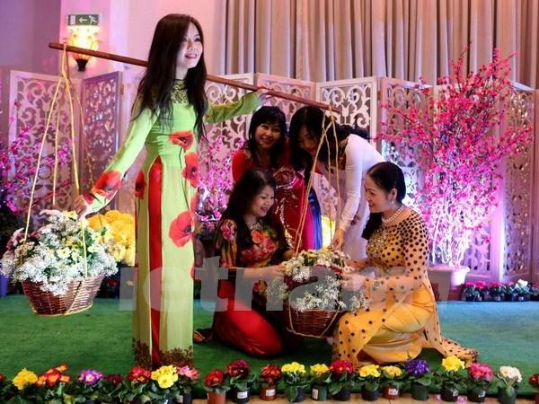 Les diasporas vietnamiennes en R. de Coree et en R. tcheque fetent le Tet du Singe hinh anh 2