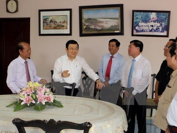 Le chef de l'Etat formule ses vœux du Tet a la population de Vinh Long hinh anh 1