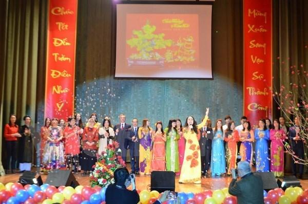 La diaspora vietnamienne en Ukraine et en Australie fete le Tet traditionnel hinh anh 1