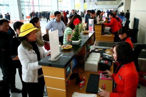Tet traditionnel : l'aeroport international de Noi Bai sert plus de 53.000 passagers hinh anh 1