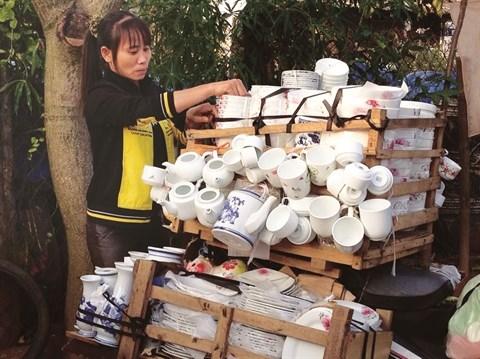 Balade au marche de ceramique de Tu Lien hinh anh 2