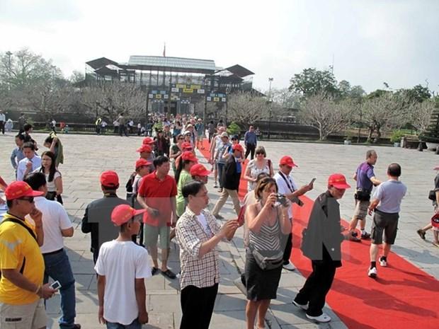 Un nombre record de touristes chinois visite le Vietnam pendant le Tet hinh anh 1