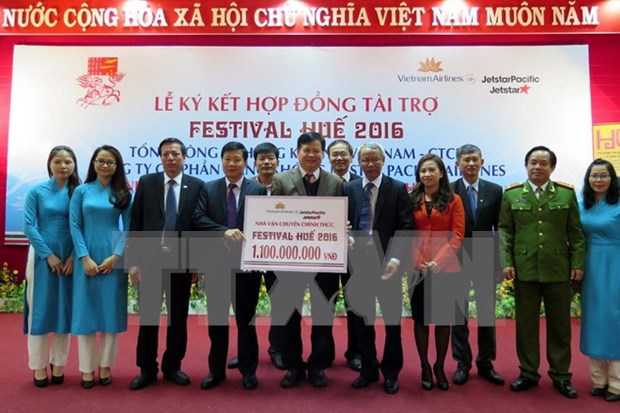 Vietnam Airlines et Jetstar Pacific Airlines, sponsors du Festival de Hue 2016 hinh anh 1