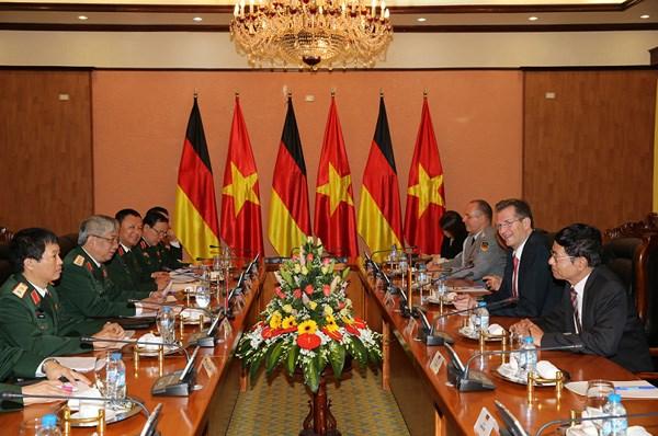 Vietnam-Allemagne : renforcement la cooperation dans la defense hinh anh 1