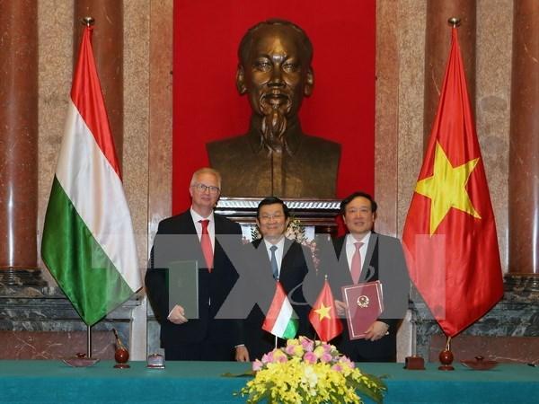Vietnam et Hongrie signent un accord d'assistance juridique en matiere penale hinh anh 1