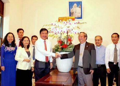 Les autorites de Ho Chi Minh-Ville felicitent les catholiques a l'occasion de Paques hinh anh 1