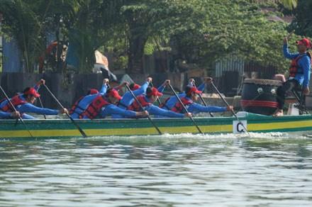 Binh Thuan remporte un Festival international des bateaux-dragons hinh anh 1