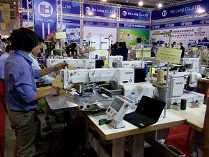 Exposition internationale sur le textile et l'habillement a Ho Chi Minh-Ville hinh anh 1