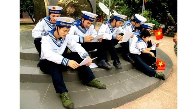 Les Hanoiens conjuguent leurs efforts pour s'orienter vers l'archipel de Truong Sa hinh anh 1