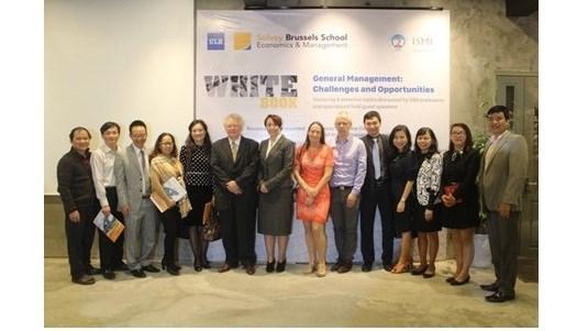 Publication du Livre blanc sur les assistances aux entreprises vietnamiennes hinh anh 1