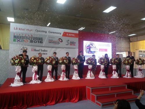 Ouverture de la Vietnam Manufacturing Expo 2016 hinh anh 1