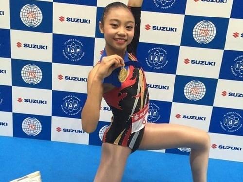 Une jeune Vietnamienne en or a la Coupe du monde d'aerobic hinh anh 1