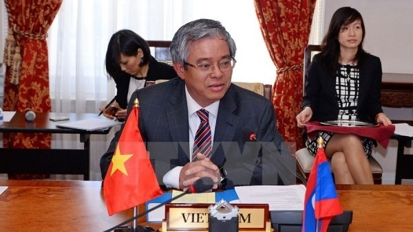 L'ambassadeur du Vietnam aux Etats-Unis visite l'Universite de Virginie hinh anh 1