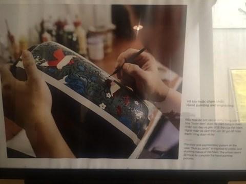 L'art de la laque poncee s'expose a Hanoi hinh anh 2
