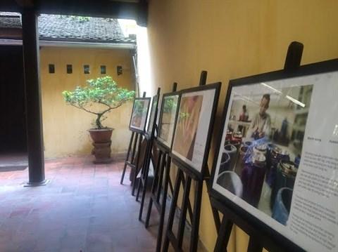 L'art de la laque poncee s'expose a Hanoi hinh anh 1