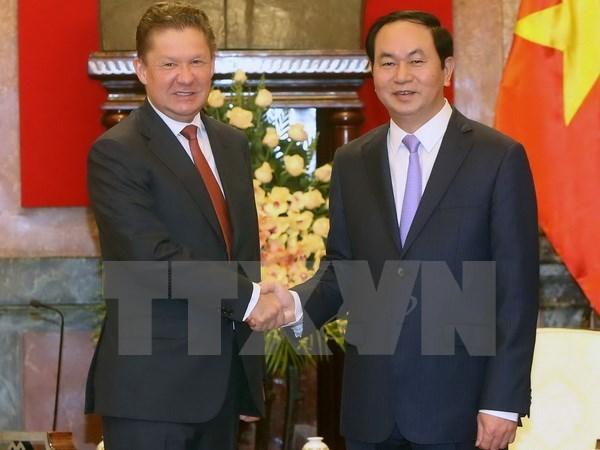 Le president du groupe russe Gazprom recu par des dirigeants vietnamiens hinh anh 1