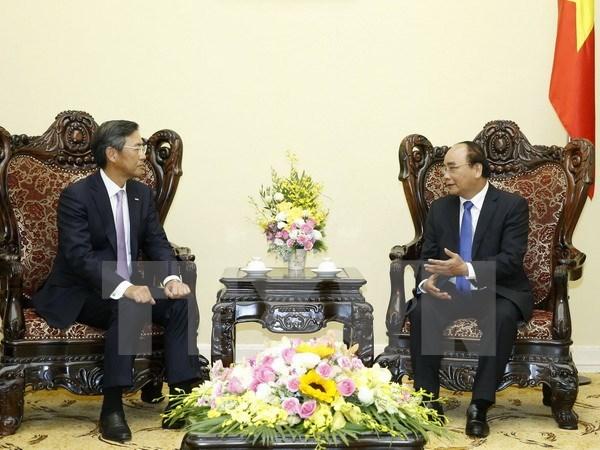 Le PM recoit le directeur general de la banque Sumitomo Mitsui en Asie-Pacifique hinh anh 1