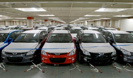Recul des importations nationales d'automobiles en 4 mois hinh anh 1