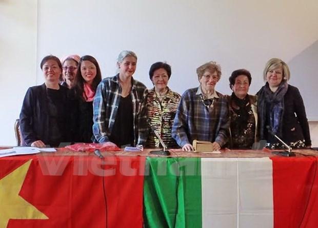 Colloques en Italie sur les roles des femmes dans la guerre et la paix hinh anh 1