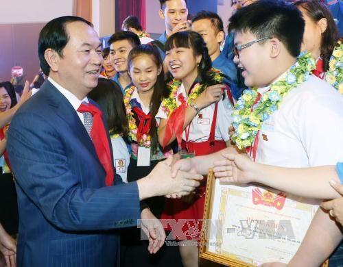 Celebration du 75e anniversaire de la fondation de l'Union des enfants pionniers Ho Chi Minh hinh anh 1