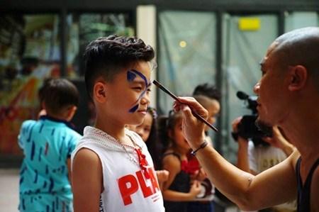 Hanoi : L'art du spectacle de rue hinh anh 1