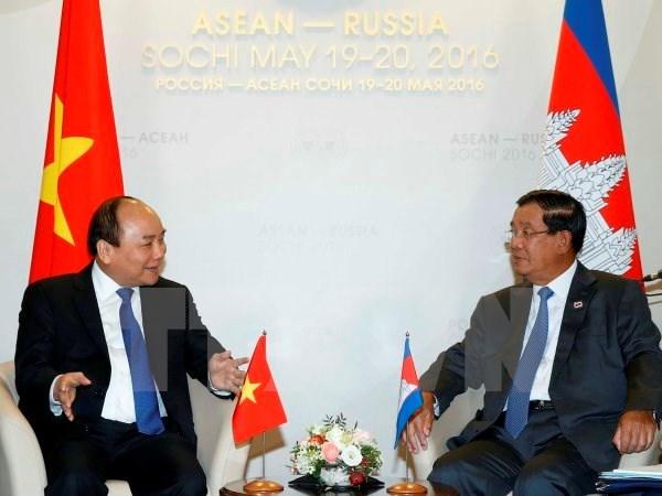 Activites du PM Nguyen Xuan Phuc en marge du sommet ASEAN-Russie hinh anh 1