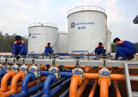 Singapour reste le premier fournisseur de carburants du Vietnam hinh anh 1