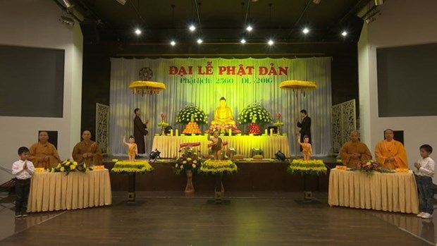 Celebration de la naissance de Bouddha en Ukraine et en Republique tcheque hinh anh 1