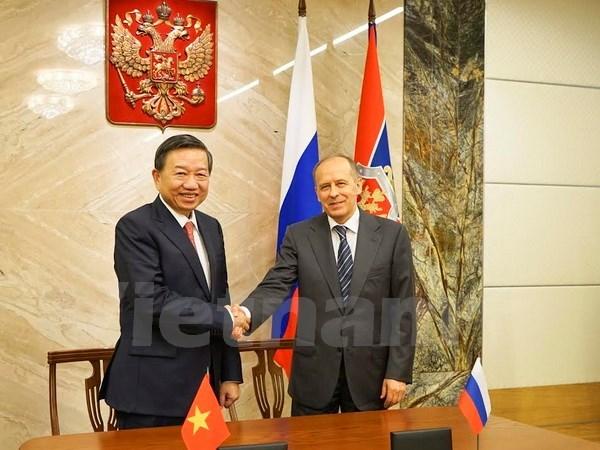 Le Vietnam et la Russie intensifient leur cooperation dans la securite hinh anh 1