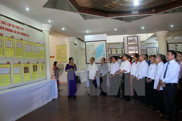 Exposition d'archives sur Hoang Sa et Truong Sa a Quang Nam hinh anh 1