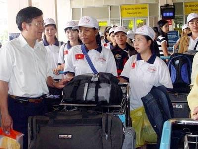 Pres de 44.000 travailleurs vietnamiens envoyes a l'etranger en 5 mois hinh anh 1