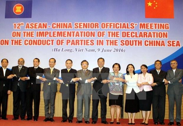 Reunion des hauts officiels ASEAN-Chine a Ha Long hinh anh 1