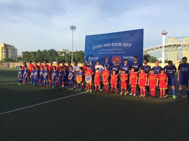 Euro 2016 : match amical entre l'UE et le Vietnam hinh anh 1