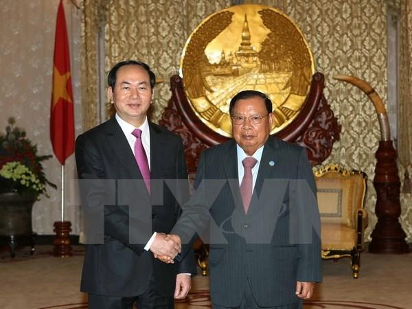Presse laotienne : Vietnam et Laos s'engagent a promouvoir leurs relations speciales hinh anh 1