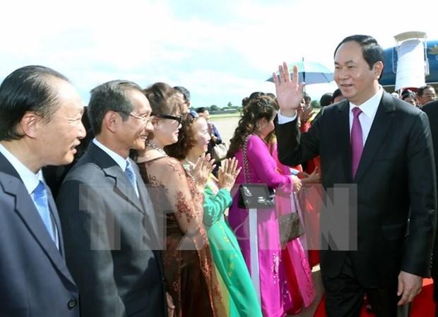 Le president du Vietnam termine sa visite d'Etat au Laos hinh anh 1