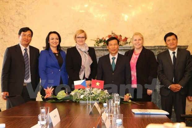 Approfondissement de la cooperation culturelle et touristique avec la R. tcheque hinh anh 1