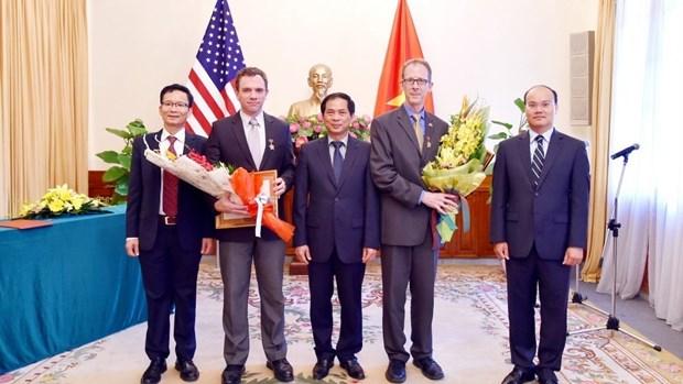 Deux dirigeants de l'USAID au Vietnam a l'honneur hinh anh 1
