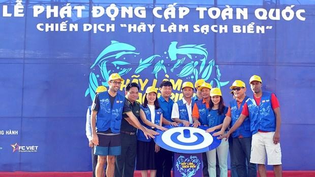 Coup d'envoi de la campagne de nettoyage des plages hinh anh 1