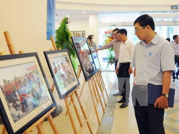 Exposition : Truong Sa vu par des reporters de la VNA hinh anh 1