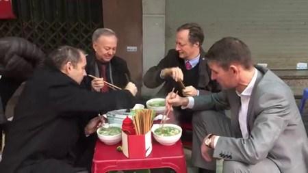 La gastronomie, un as du tourisme a Hanoi hinh anh 1