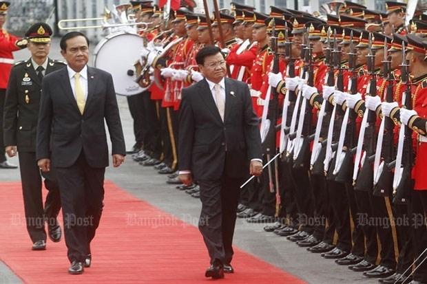 Thailande et Laos resserrent les liens bilateraux hinh anh 1