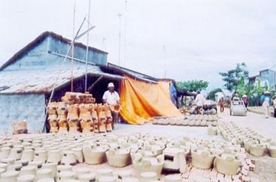 Le village de potiers de Dau Doi hinh anh 1
