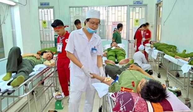 La fete du don de sang «Gouttes de sang pour la zone cotiere» a Binh Thuan hinh anh 1