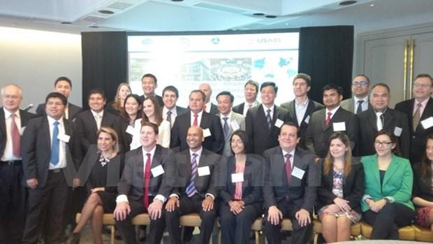 Le Vietnam participe a un colloque de l'APEC sur le transport au Mexique hinh anh 1