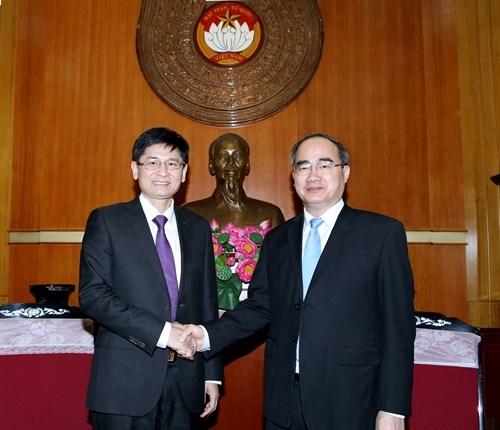 Le Vietnam s'attache a renforcer ses liens avec la Chine hinh anh 1
