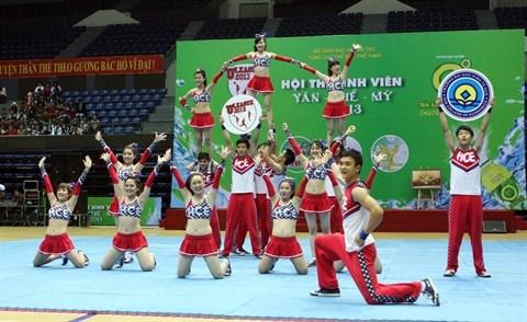 La deferlante cheerleading a Ho Chi Minh-Ville hinh anh 1