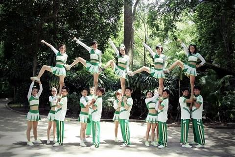 La deferlante cheerleading a Ho Chi Minh-Ville hinh anh 2