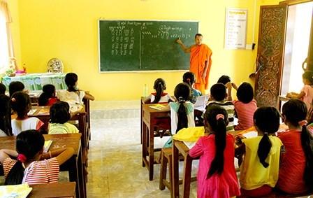Kien Giang encourage l'enseignement de la langue khmere aux jeunes khmers hinh anh 1